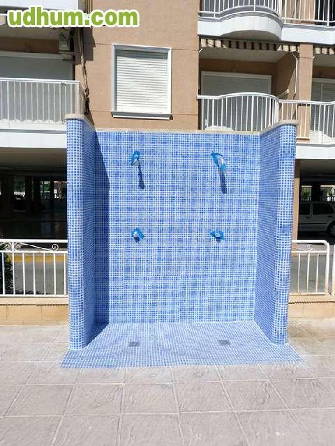 Duchas de piscina economicas for Piscinas prefabricadas economicas precios